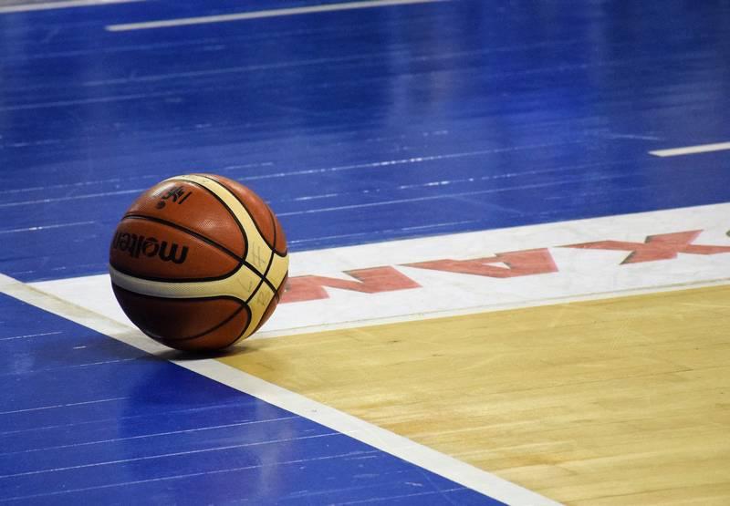 ballon basket parquet