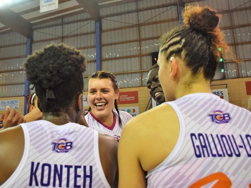 Joie des basketteuses du TGB après une victoire