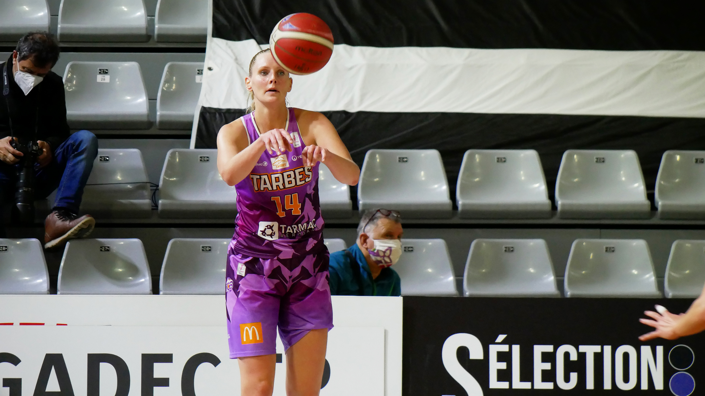 Louice Halvarsson prolonge à Tarbes